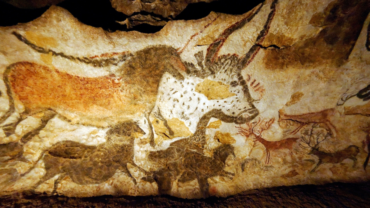lascaux cave The paleolithic illustrations were found on september 12th, 1940.